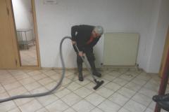 Am 03.03.2018 drang Wasser von der Küche im Obergeschoss bis in den Keller vor